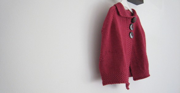 Children poncho knitting pattern | Alison Brookbanks
