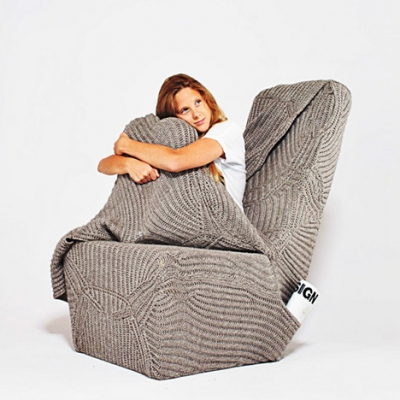 Blanket chair | Aga Brzostek